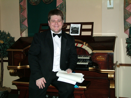 Kevin Grunill at the Singing Hills WurliTzer