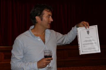 Peter Hammond with Listing certificate